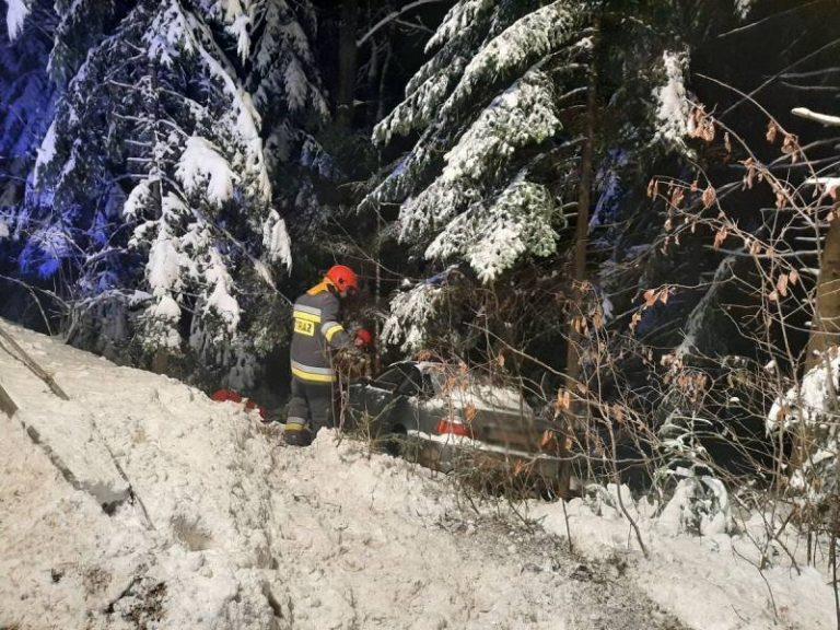 Berest: samochód wypadł z drogi i zatrzymał się na skarpie