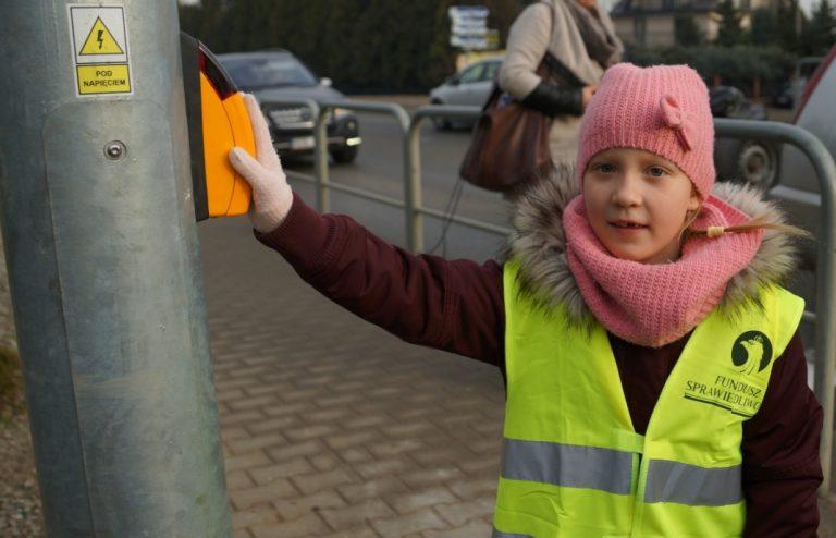 """Na przejściu dla pieszych w Świniarsku powstała ,,wzbudzana"""" sygnalizacja"""
