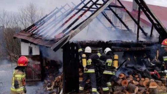 Popowice: płonął budynek gospodarczy