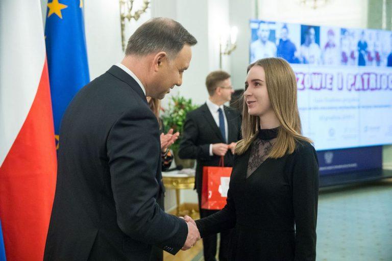 Uczennica z Gorlic odebrała nagrodę z rąk Prezydenta Andrzeja Dudy