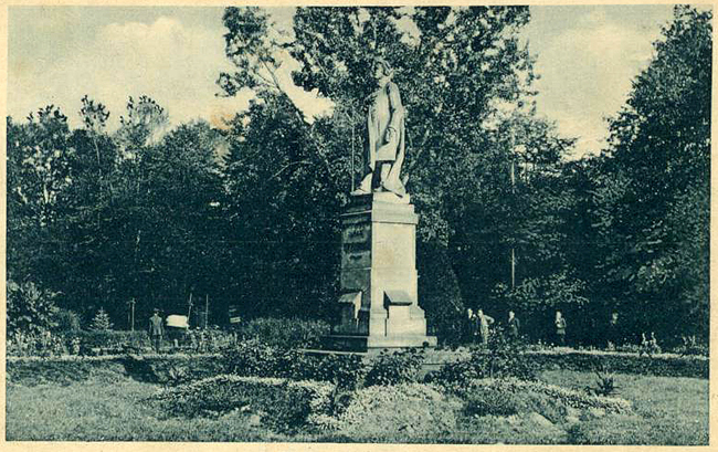 Gdzie jest pomnik Mickiewicza?