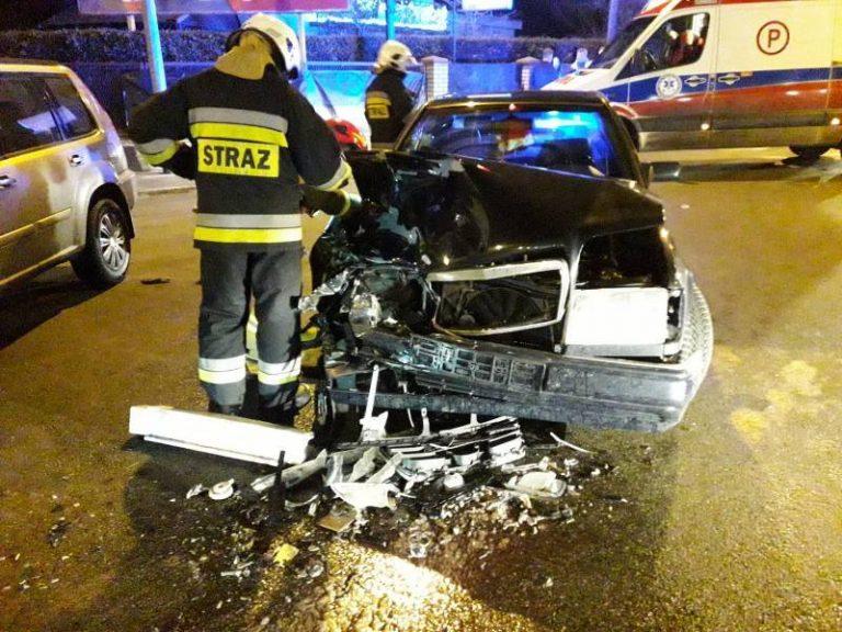 Nowy Sącz, ul. Węgierska: chwila nieuwagi – dwa rozbite auta