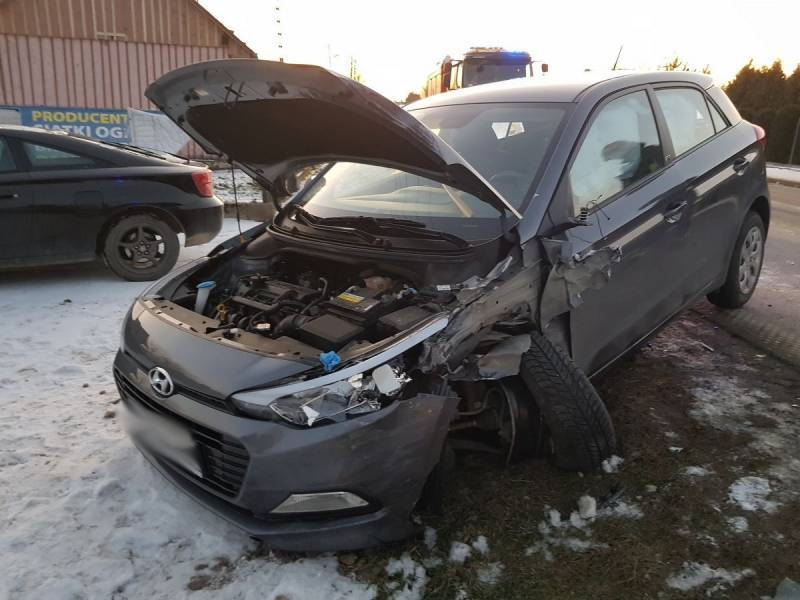 samochód po wypadku