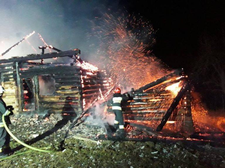 Popowice: pożar drewnianego budynku