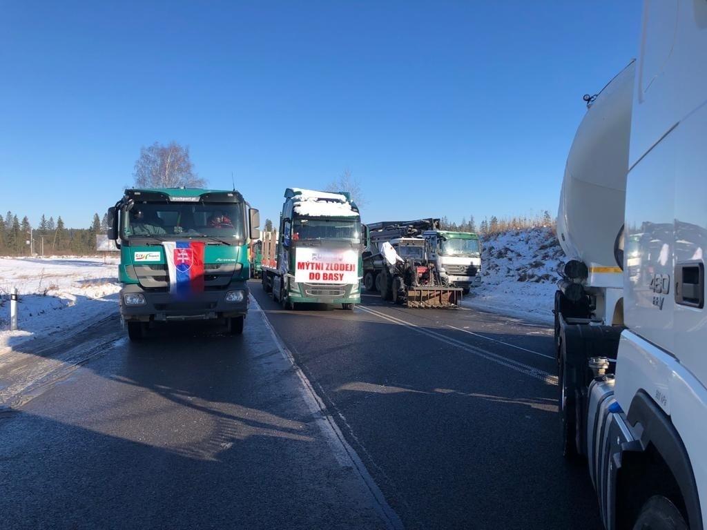 Blokada drogi za przejście granicznym