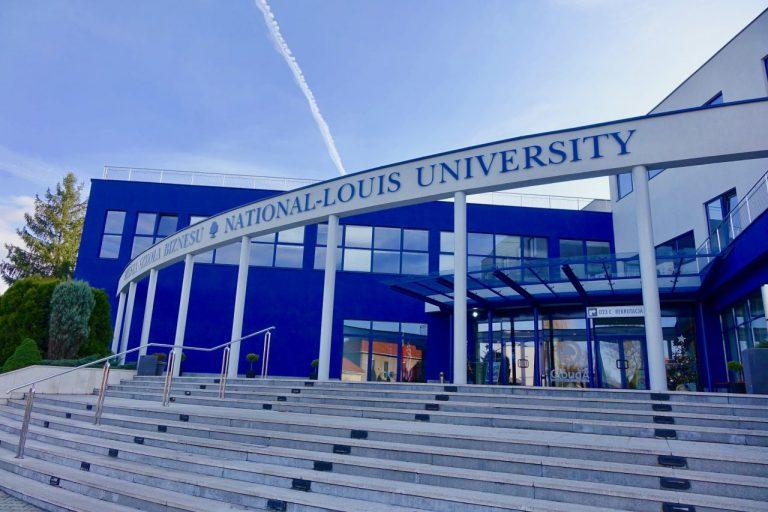 Wyższa Szkoła Biznesu – światowa uczelnia, której serce bije w Nowym Sączu