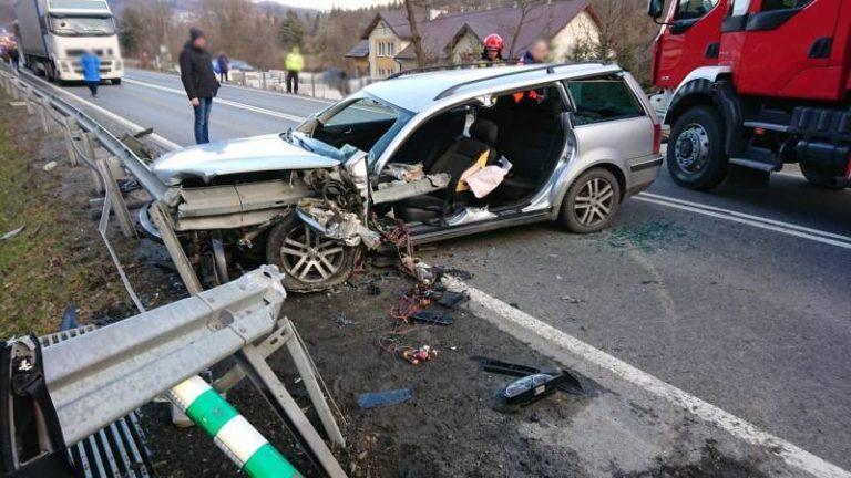 Paszyn: samochód nabił się na barierę. Dwa inne zderzyły się ze sobą