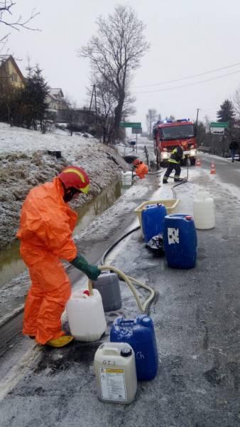 wyciek oleju w Mochnaczce