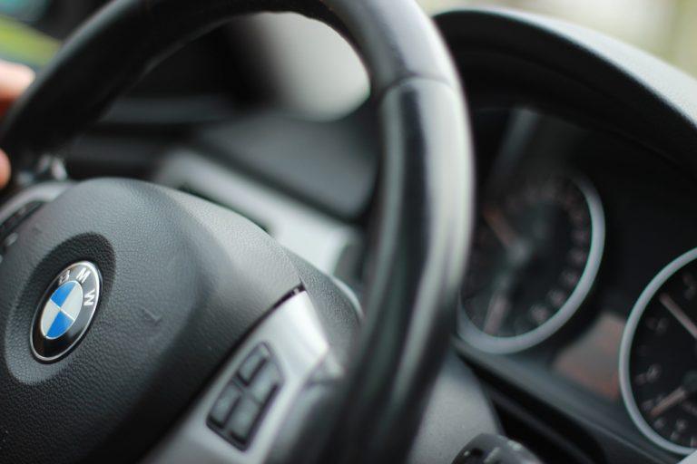 Nowy Sącz 5. w rankingu miast, w których kierowcy deklarują najmniej szkód. Najczęściej ubezpieczanym autem jest BMW