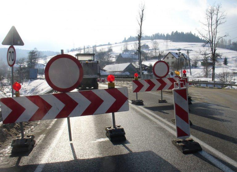 Uwaga kierowcy! Utrudnienia na DK 75. Rozpoczyna się rozbiórka mostu w Nowej Wsi