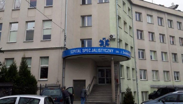 Koronawirus. Dwie osoby skierowane z sądeckiego szpitala na domową kwarantannę