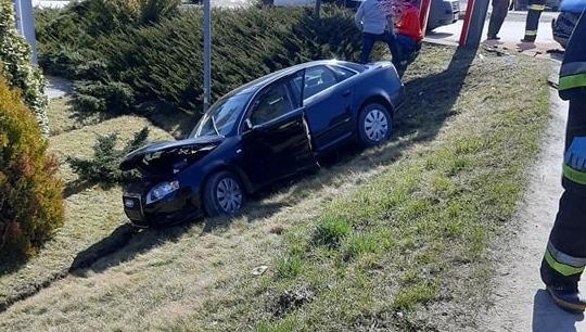 Z ostatniej chwili: zderzenie dwóch samochodów w Łęce. Trwają działania służb