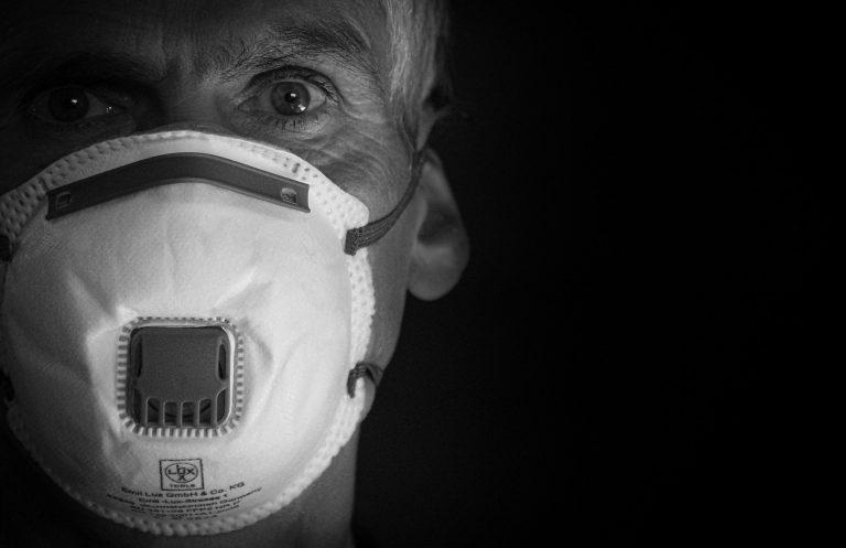 Co wiemy o zakażonych osobach? Koronawirus w Małopolsce