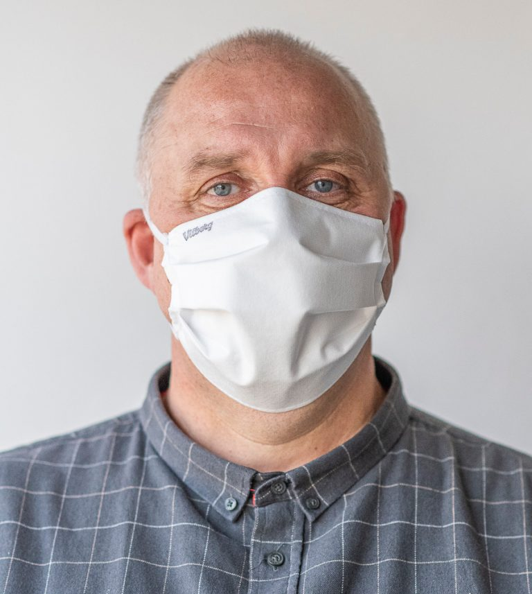Zakładajcie maski, wychodząc z domu!