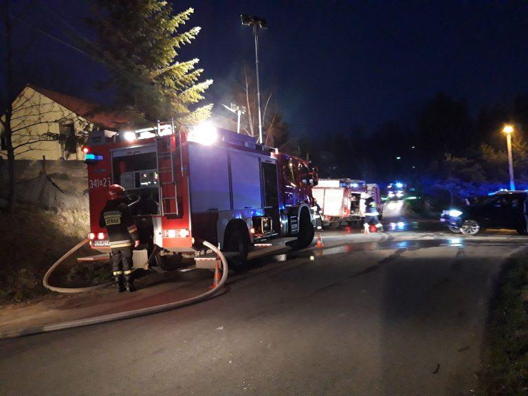 Janczowa: 59 strażaków walczyło z pożarem budynku gospodarczego