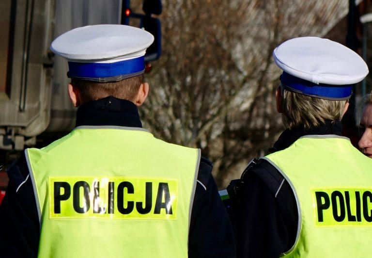 Święta na sądeckich drogach: kierowcy odpowiedzą podwójnie, za przewinienia drogowe i łamanie zasad izolacji