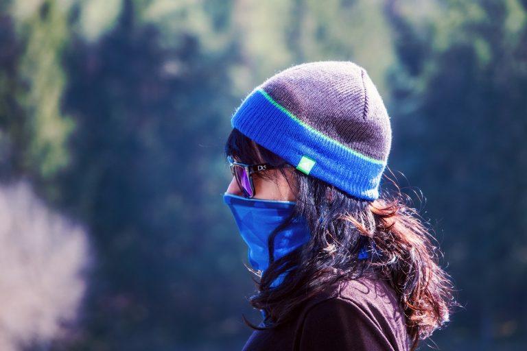 Nakaz zakrywania ust i nosa w kościele, w lesie i w aucie, którym podróżują osoby inne niż domownicy