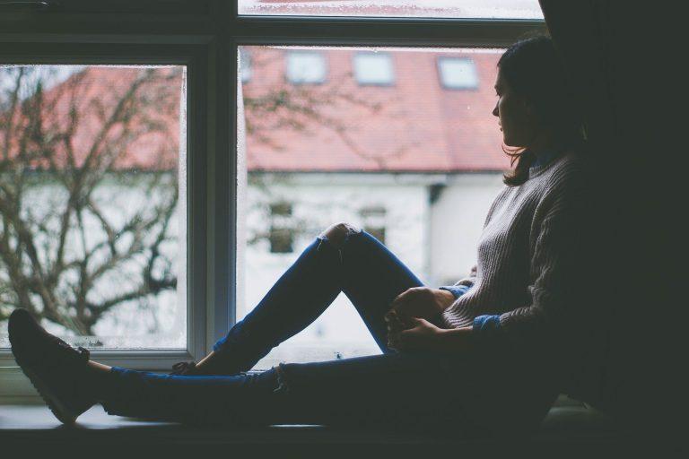 Złap kontakt z terapeutą, ale zostań w domu…