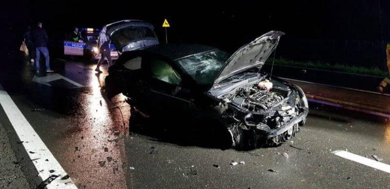Stadła: Z samochodów niewiele zostało. Dwie osoby poszkodowane