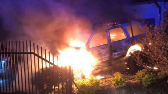 Chełmiec, ul. Batalionów Chłopskich: nocny pożar samochodu osobowego