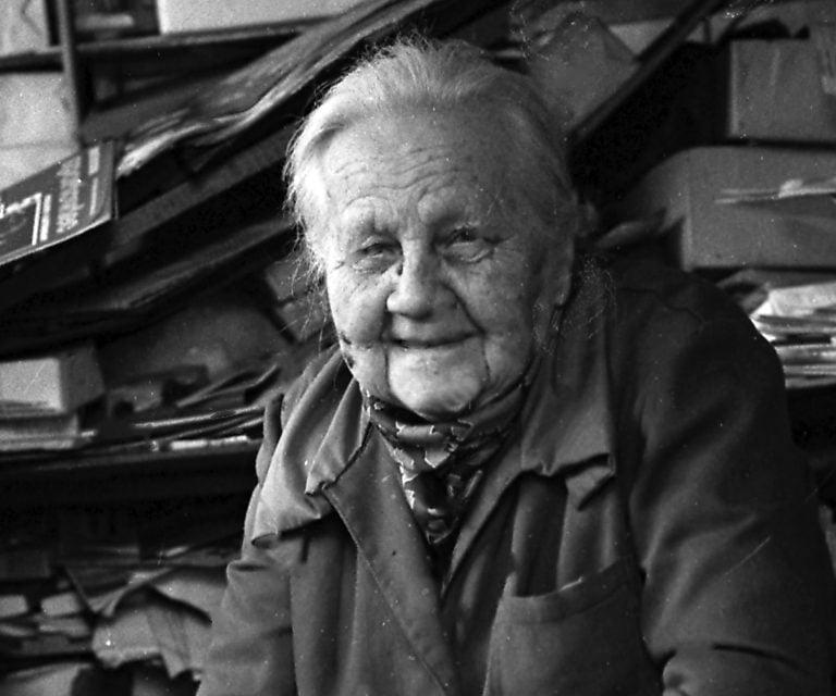 Mając sto lat pracowała nadal w kiosku Ruchu. Babciu Weroniko… bardzo Ciebie brak!