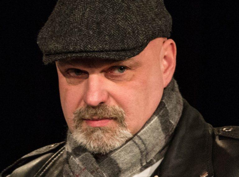 Grał role nieszkodliwych wariatów, a dziś zawiaduje Miejskim Ośrodkiem Kultury w Nowym Sączu