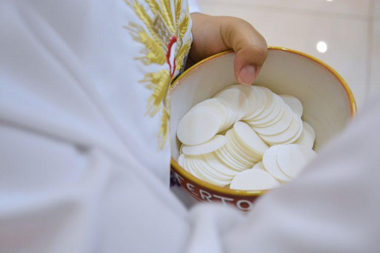 Uwaga! Gorlicki sanepid poszukuje uczestników dwóch mszy świętych