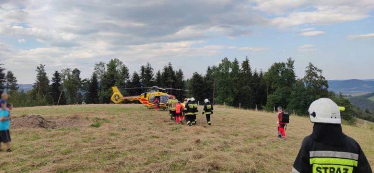Wypadek paralotniarza we Wronowicach. Interweniowało Lotnicze Pogotowie Ratunkowe