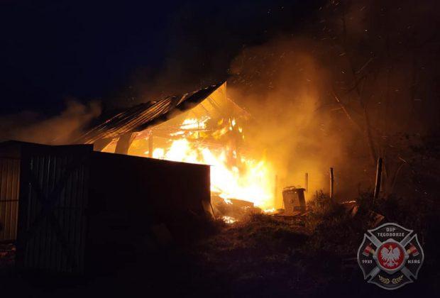 Skrzętla-Rojówka: pożar strawił budynek gospodarczy i dom [ZDJĘCIA]
