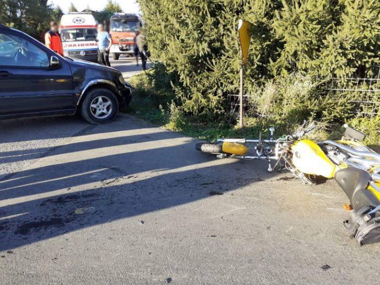 Mała Wieś: jechał pijany Mercedesem i spowodowal wypadek. Poszkodowany motocyklista w szpitalu