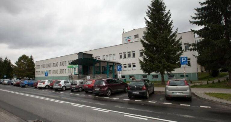 Dyrektor gorlickiego szpitala prosi o niezwłoczne odbieranie zwłok. W prosektorium nie ma miejsca