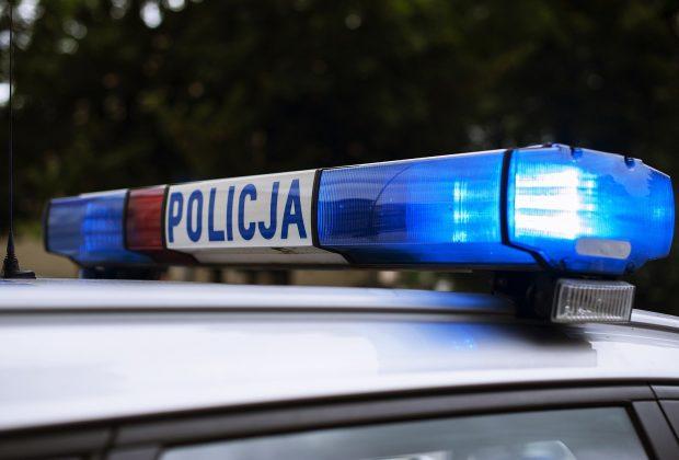 Nowy Sącz: 58-latek potrącony przez samochód wpadł pod koła innego auta. Zginął na miejscu