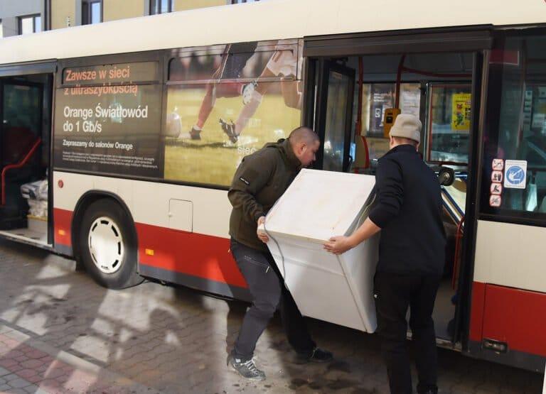 Miejski Ośrodek Pomocy Społecznej przeprowadza się autobusem
