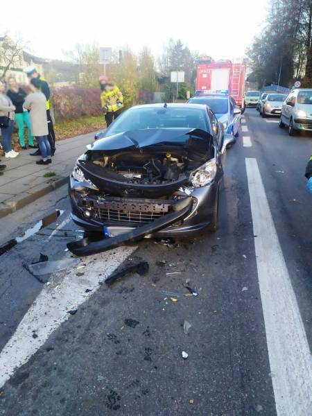 Nowy Sącz: zderzenie trzech osobówek na skrzyżowaniu DK75 z DK28