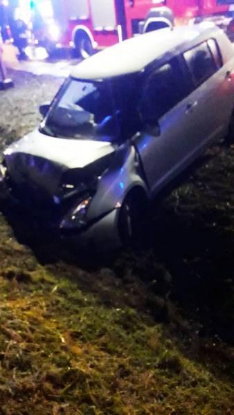 Nawojowa: zderzenie samochodów osobowych. Dwie osoby poszkodowane