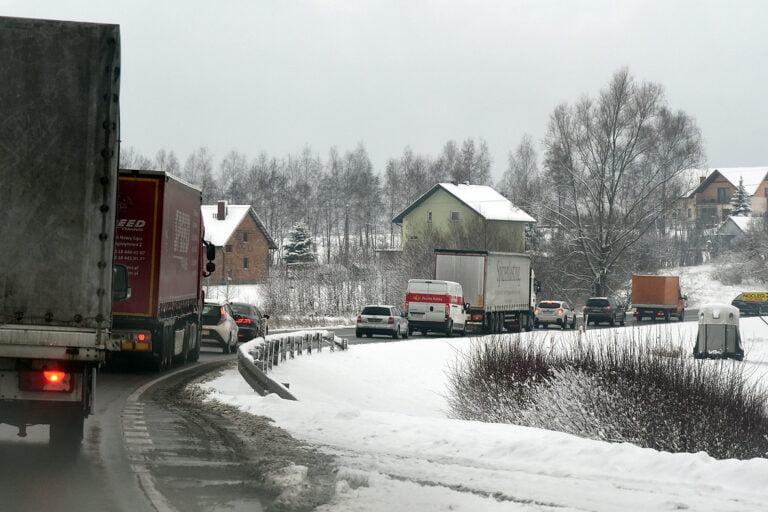 DK75: zimowa udręka w podróży do Nowego Sącza