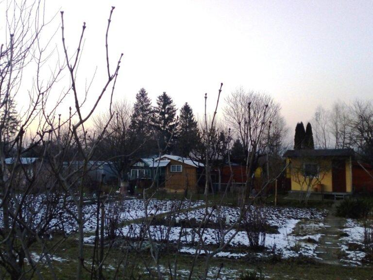 Nowy Sącz. Zrabowali 10 altan i domków letniskowych. Ukradli nawet elementy monitoringu i alarmu