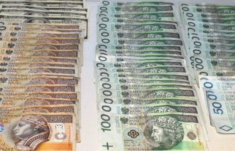 Obiecał sądeczance miliony dolarów i złoto. Straciła ponad 90 tysięcy złotych