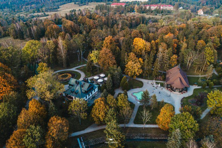 Będzie protest w Wysowej-Zdroju. Mieszkańcy nie zamierzają dopuścić do wzniesienia pomnika Jana Szyszki w parku