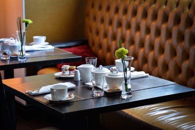 Sondaż dla rp.pl: 47 procent Polaków poszłoby do restauracji otwartej wbrew obostrzeniom