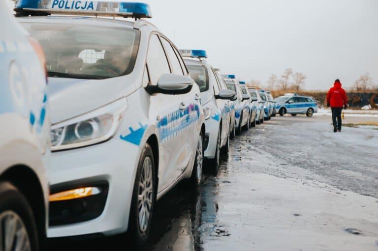 Kierowcy radiowozów będą lepiej jeździć. Sądeckich policjantów wysłano na specjalny trening