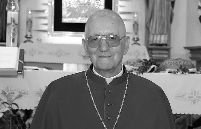 Zmarł ks. Stanisław Koza. Przez ponad 40 lat był związany z Siekierczyczną, honorowy kanonik Kapituły Kolegiackiej w Nowym Sączu