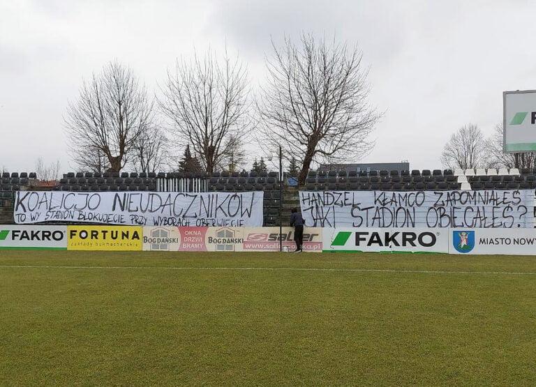 """Kibice Sandecji tracą cierpliwość. Żądają obiecanego stadionu. """"Nie odpuścimy"""" –  zapewniają"""