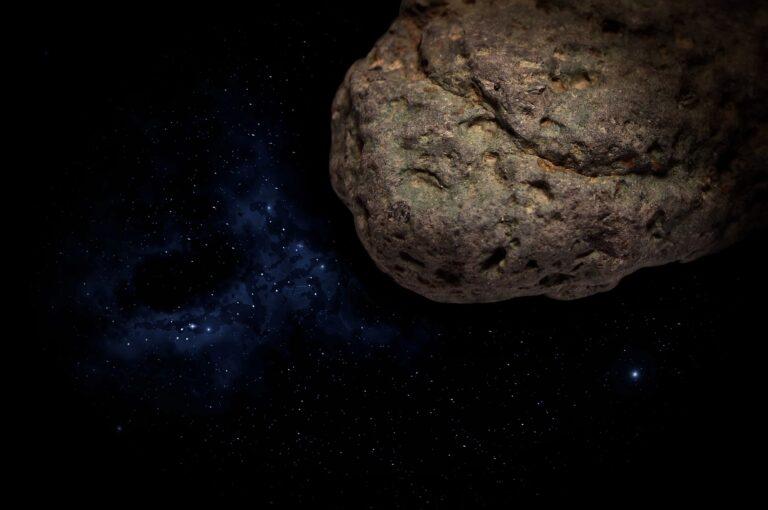 Krok od końca świata. W co celował meteoryt?