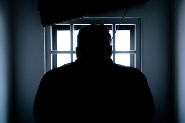 Nowy Sącz. 64-latek usłyszy dziś zarzut zabójstwa syna