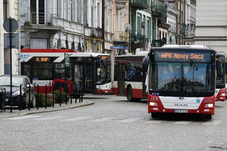 Kierowcy miejskich autobusów protestują. Powód: wizja zwolnień załogi