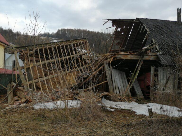 Wierchomla Wielka. Zawalił się budynek gospodarczy