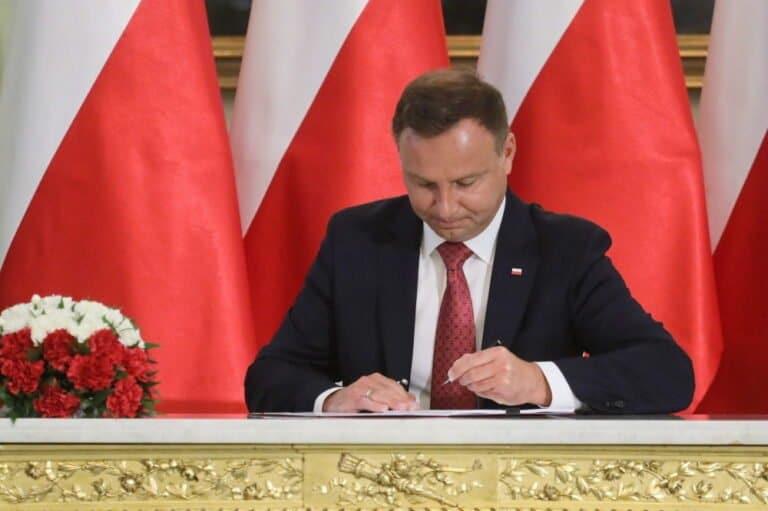Andrzej Duda podpisał ustawę w sprawie czternastej emerytury