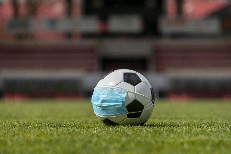 Piłkarski galimatias w regionie. Rozgrywki wstrzymanie dzisiaj przed południem.