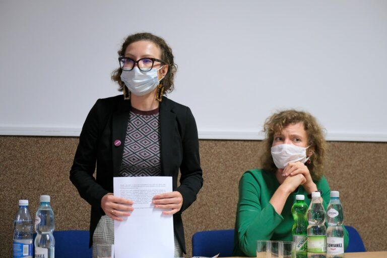 Protest w Gorlicach. Posłanka Gosek-Popiołek wzywa do natychmiastowego przeprowadzenia kontroli